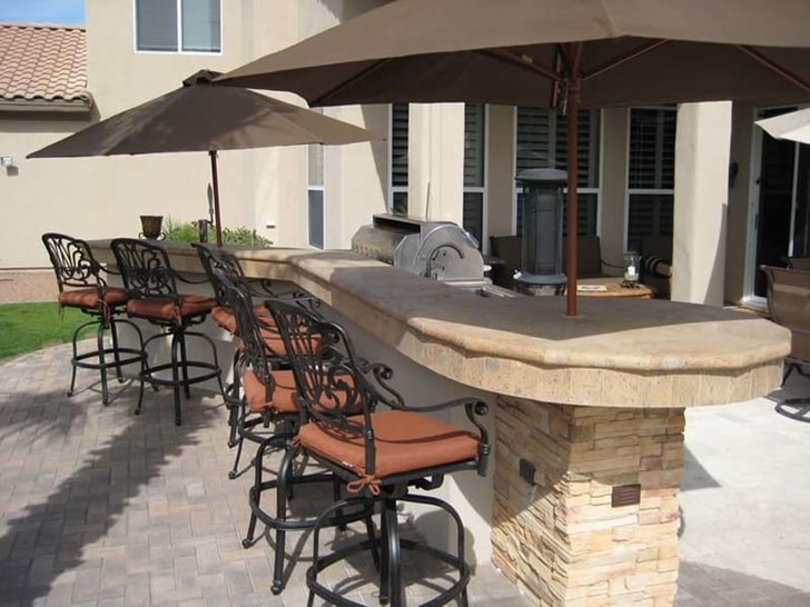 backyard bar top installed by a licnesed contractor in Roseville